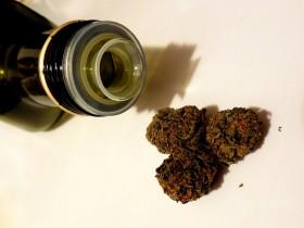 How to Make Cannaoil (Cannabis Oil), As Versatile As Cannabutter