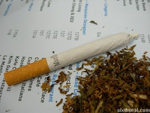 How to Roll a Spliff, Source: http://weedsmokersguide.com/pictures/Marijuana-Cigarette-Joint.jpg