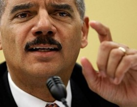 MMJ Advocates Protest US Attorney General Holder's Speech