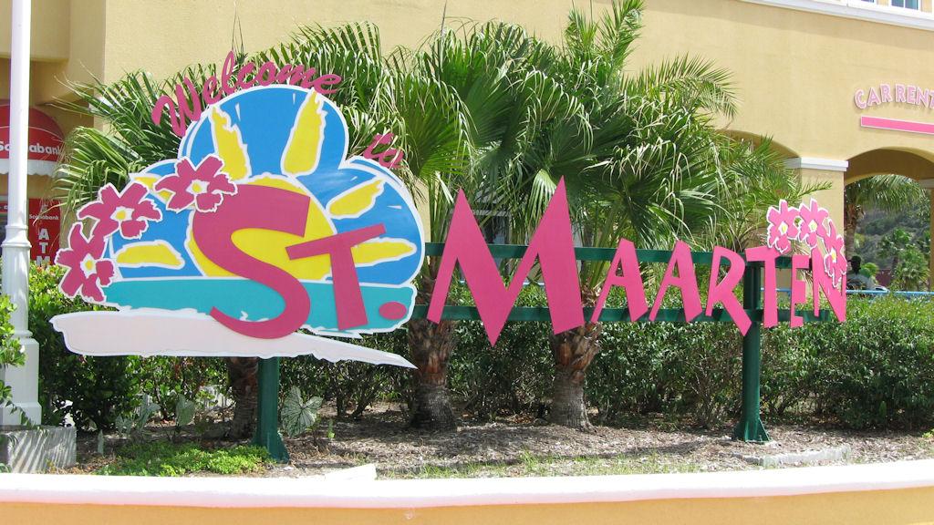 Sint Maarten Sign - Weedist Destinations, Source: http://www.davidstauffer.com/caribbean2009/pictures/Caribbean%20Cruise%202009%20-%20St.%20Martin%20-%20Welcome%20Sign%2001.jpg