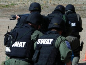 Kansas SWAT Raids Home for Cannabis, Finds Tea