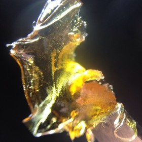 Instafire: High & Mighty Extracts Shatter Up Close