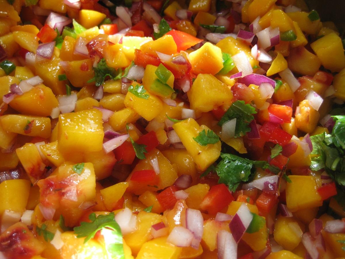 Great Edibles Recipes: Chunky Cannabis-Peach Salsa