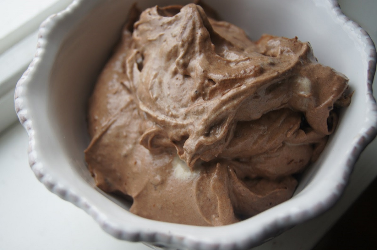 Great Edibles Recipes: Vegan Chocolate Banana Ice Cream