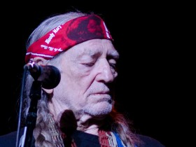 Willie Nelson Says Fans Keep Him Supplied With Pot