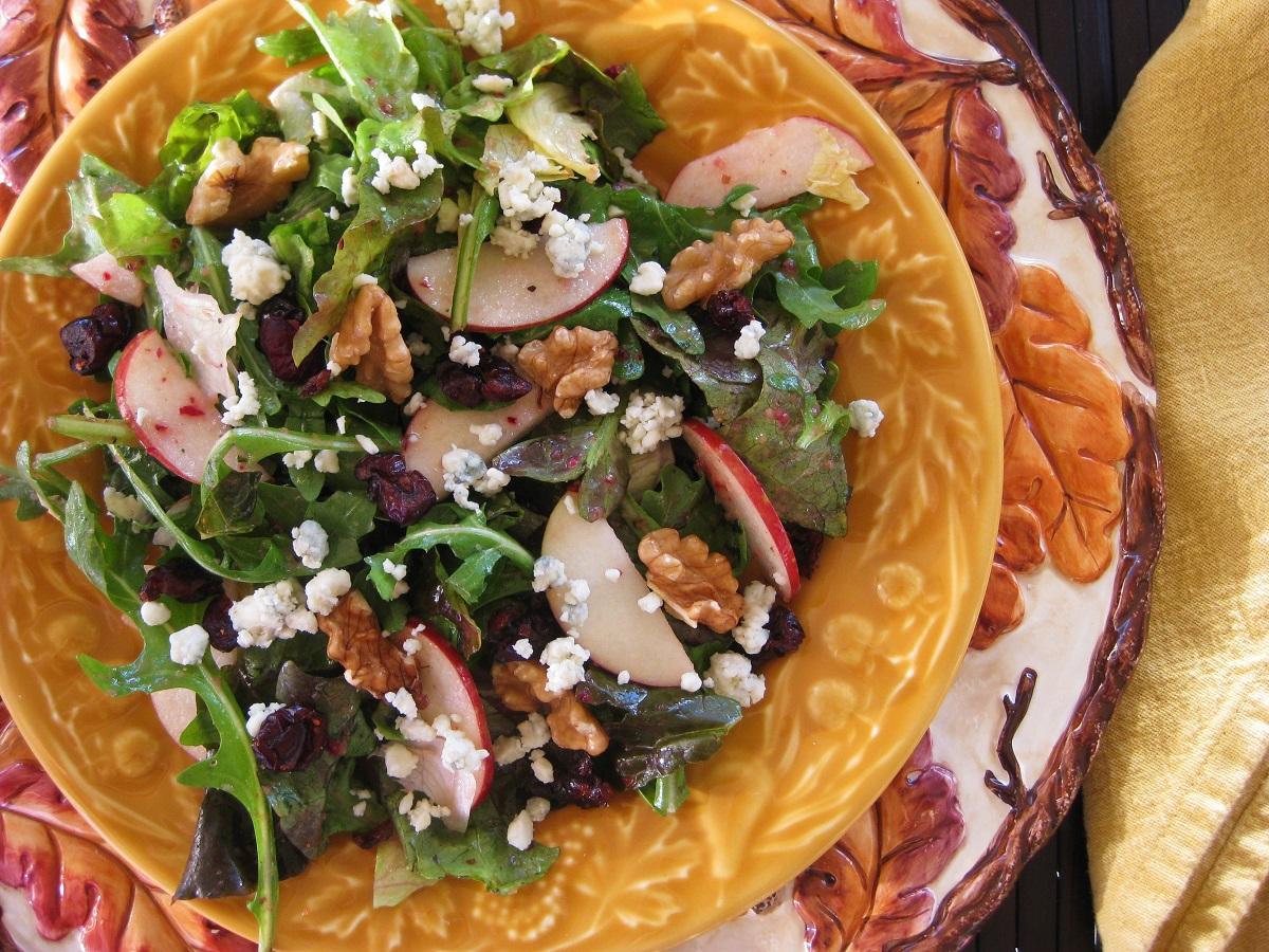 Great Edibles Recipes: Cranberry Walnut Salad Cider Dressing