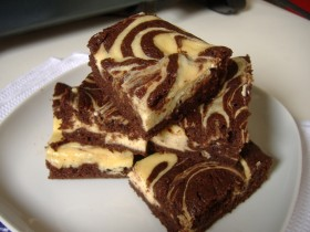 Great Edibles Recipes: Cheesecake Swirl Brownies