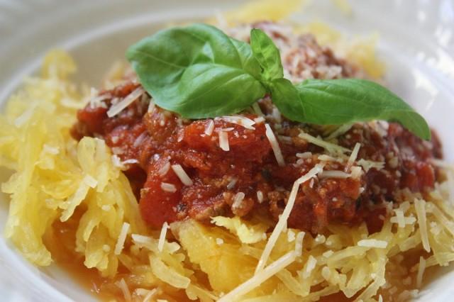 Great Edibles Recipes: Spaghetti Squash With Homemade Tomato Sauce