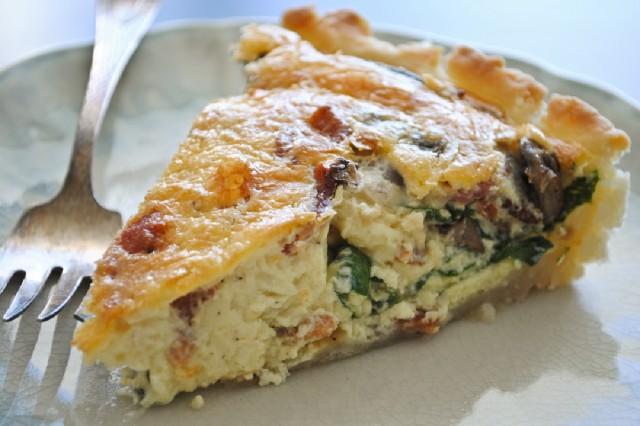 Great Edibles Recipes: Spinach Cannabis Quiche, Source: http://www.honeybeesrecipes.com/recipes/bacon-mushroom-spinach-quiche-brunch-please.html