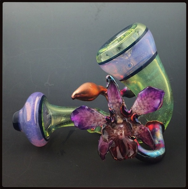 Piece of the Week | Authentic Orchid Pipes - Weedist