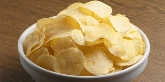Great Edibles Recipes: Cannabis Potato Chips, Source: http://i.huffpost.com/gen/1369080/images/o-POTATO-CHIPS-facebook.jpg