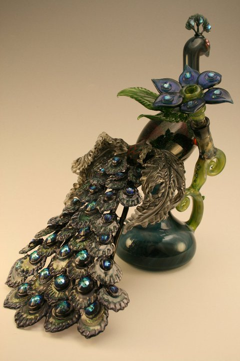 Piece of the Week | Gorgeous Peacock Rig by Dellene Peralta - Weedist
