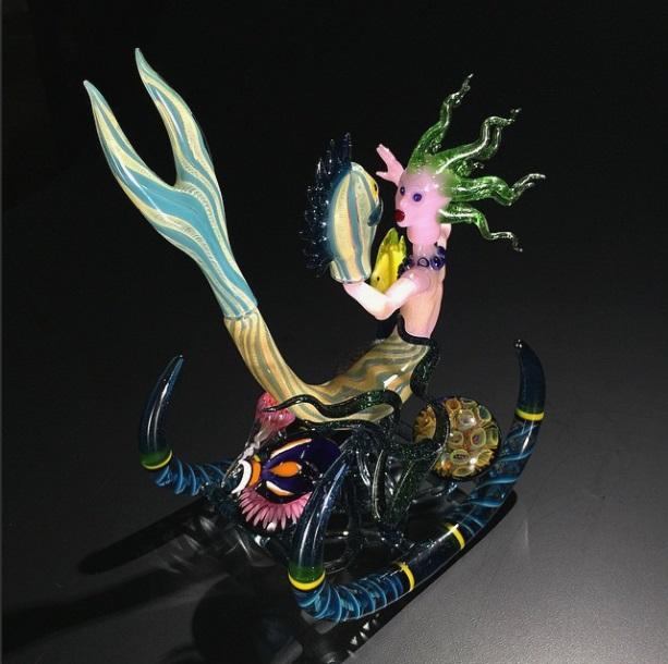Piece of the Week | Mermaid Rockerz Rig by Robert Mickelsen - Weedist