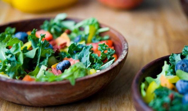 Great Edibles Recipes: Rainbow Summer Salad With White Balsamic Vinaigrette, Source: http://static1.squarespace.com/static/51afebfee4b0fdd75220b343/t/540f6a37e4b04939fb5aefdf/1410296380348/goji+berry+blueberry+rainbow+salad